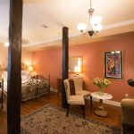 New Orleans Cottage Queen Hotel Suite